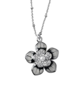 Jasmine necklace.. so pretty!