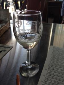I love that glass, so cute!