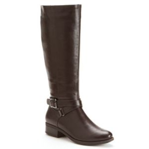 I just bought these boots at Kohl's and they are so comfy and I can't wait to wear them! Source