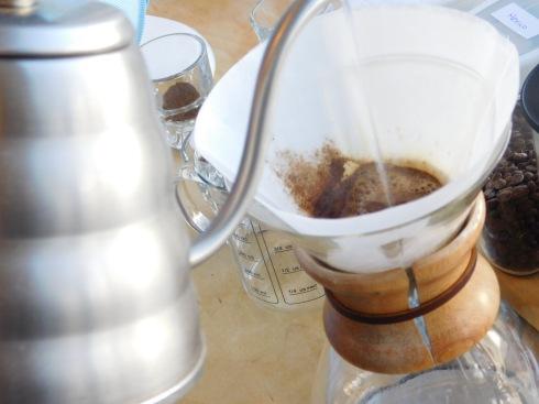 giv coffee pour