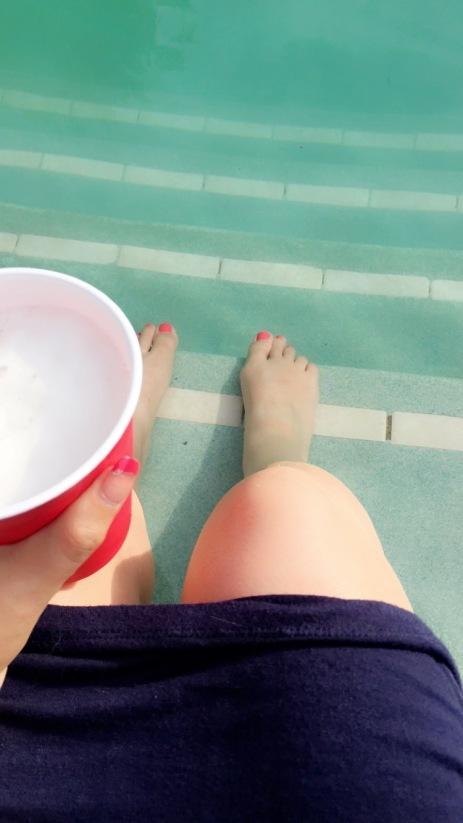beer lobs pool