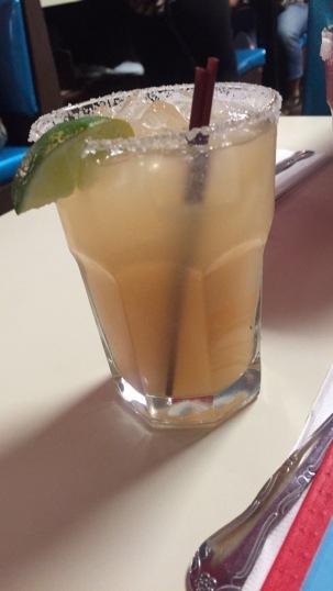 lucky-taco-peach-margarita